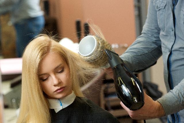 くせ毛の原因と対策の記事の説明用画像