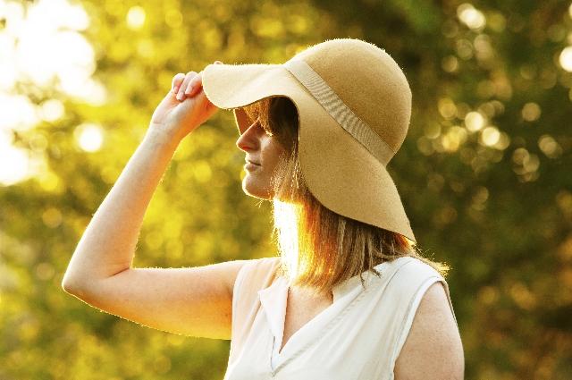 帽子の影響、ヘアケア記事のトップ用画像