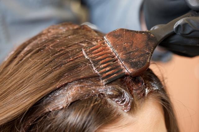自分で上手に髪を染めるヘアカラー方法の記事のトップ用画像