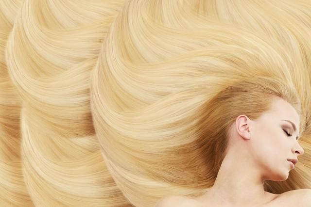 髪がぺたんこになる原因と対策の記事のアイキャッチ用画像